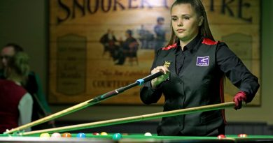 Chloe makes last-16 of UK Championship